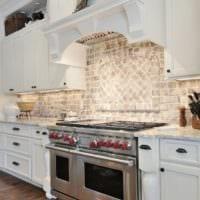 кухня в стиле кантри белый гарнитур