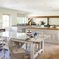 кухня в стиле кантри уютная