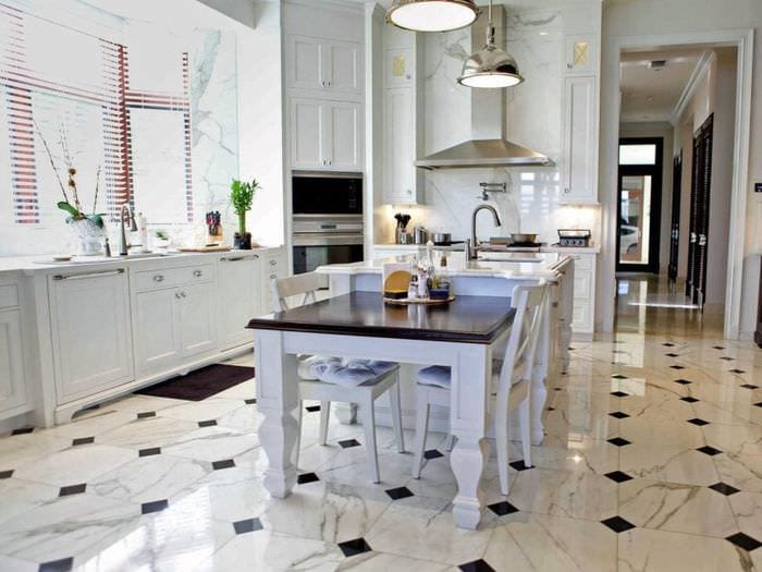 мраморная плитка на кухне
