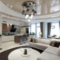 потолок в гостиной натяжной идеи фото