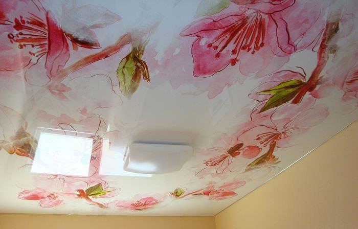 роспись на потолке в спальне