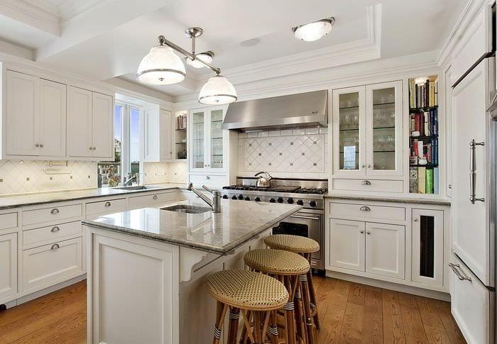 дизайн и отделка светлой кухни