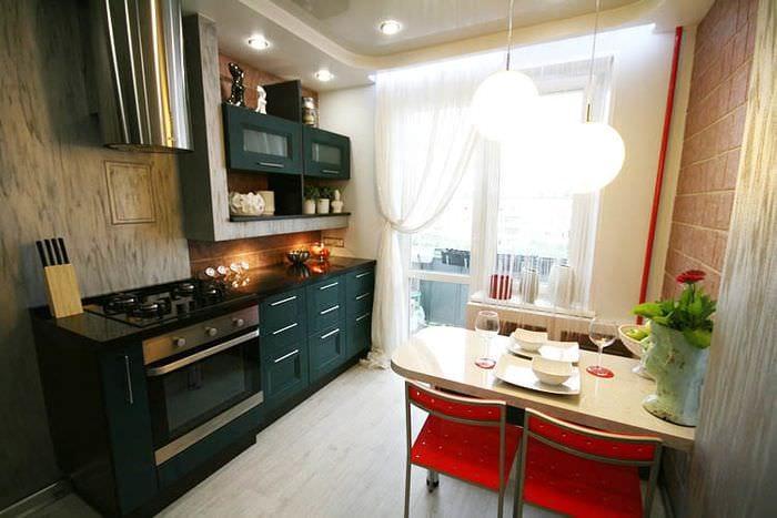 декор в прямоугольной кухне