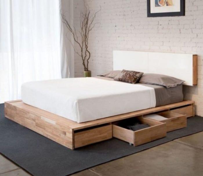 кровать подиум в спальне 10 кв м