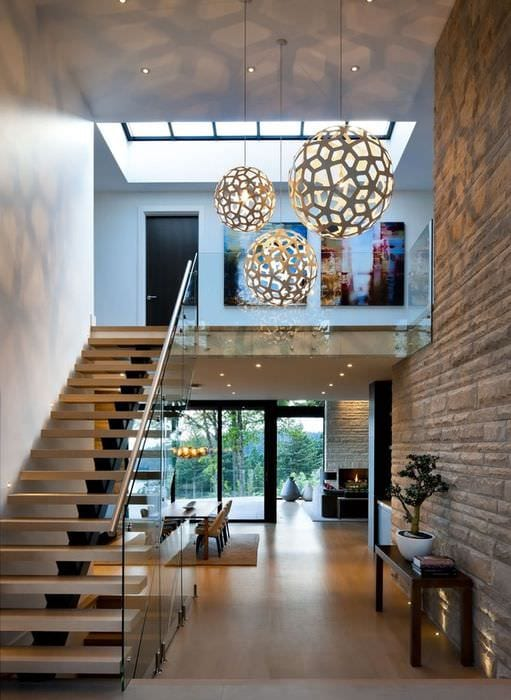 маршевая лестница в прихожей