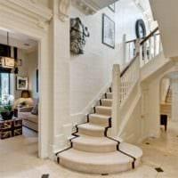лестница в прихожей стильный интерьер