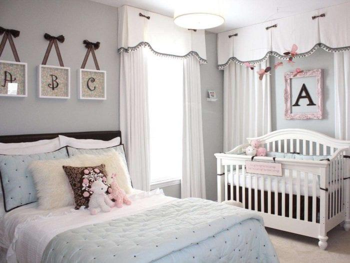 идеи спальни с детской кроваткой