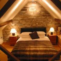 спальня на мансарде современный интерьер