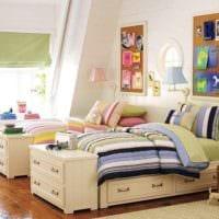 кровати в комнате мальчика и девочки