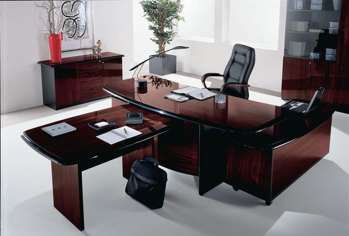 кабинет руководителя из красного дерева