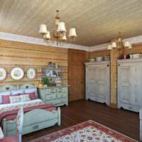 Деревянная отделка стен в загородном доме