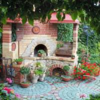 Садовая печь-мангал в ландшафтном дизайне стиля прованс