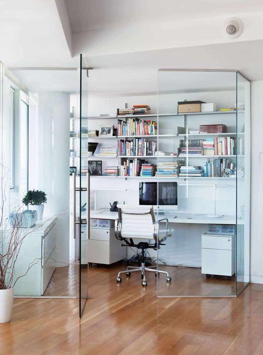идея использования перегородки в дизайне комнаты