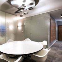 идея применения перегородки в интерьере комнаты картинка