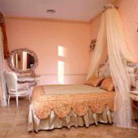 вариант сочетания светлого персикового цвета в стиле квартиры картинка
