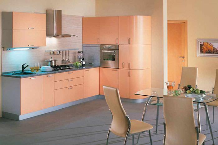 вариант сочетания красивого персикового цвета в декоре квартиры