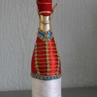 Декор бутылки в мундире гусара