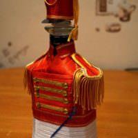 Бутылка конька в мундире гусара