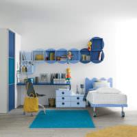Комната для мальчика в голубых тонах