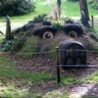 Оригинальная альпийская горка на садовом участке