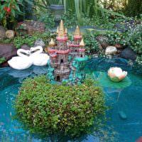 Сказочный пруд на садовом участке