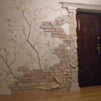 Оформление стен прихожей объемной лепниной