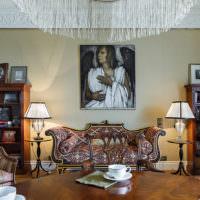 Оформление стен гостиной в классическом стиле
