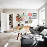 Оформление стен комнаты декорирующими элементами