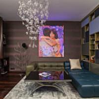 Картина с неоновой подсветкой на стене гостиной
