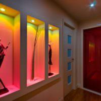 Ниши с подсветкой в дизайне стен прихожей