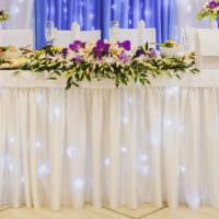 Романтические огни подсветки свадебного стола