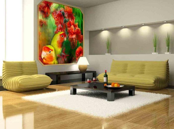Самодельное панно из ткани на стене гостиной