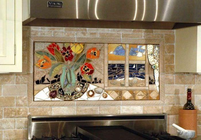 Керамическое панно над варочной поверхностью в интерьере кухни