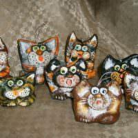 Забавные котики, сделанные своими руками из папье-маше