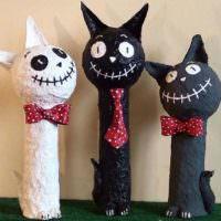 Декоративные фигурки животных в интерьере гостиной