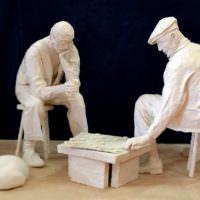 Скульптурная композиция в технике папье-маше