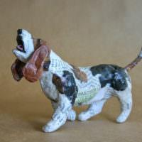 Фигурка собаки в технике папье-маше