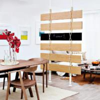 вариант использования перегородки в декоре квартиры фото
