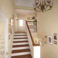 вариант яркого интерьера лестницы фото