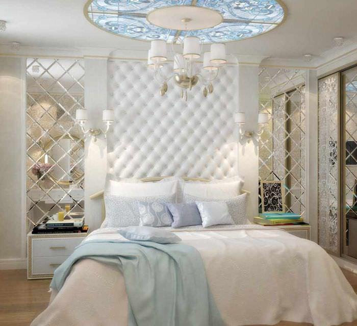 пример яркого проекта стиля спальной комнаты