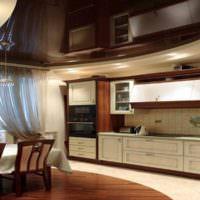 пример необычного интерьера потолка на кухне фото