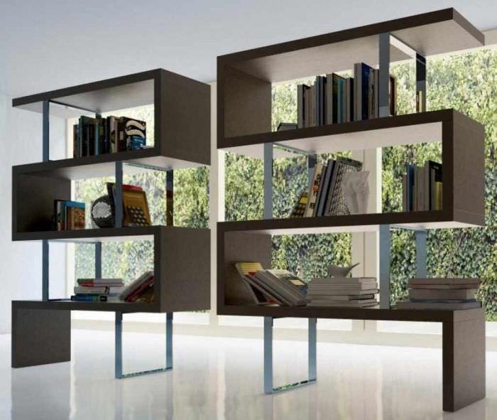вариант использования перегородки в интерьере квартиры