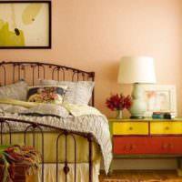 вариант сочетания яркого персикового цвета в декоре квартиры фото