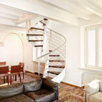 вариант яркого интерьера лестницы картинка