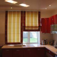 идея яркого интерьера окна на кухне картинка