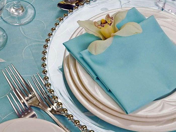 Оформление свадебного стола с помощью бумажных салфеток