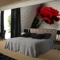Фотообои с огромной розой на стене спальни