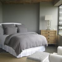 Уютная спальня в серых тонах площадью 12 кв м