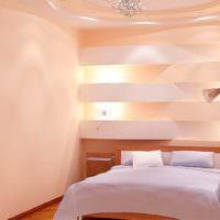 Оригинальные ниши с подсветкой в интерьере спальни 12 кв м