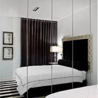 Шкаф с зеркальными дверками в дизайне спальни 12 кв м